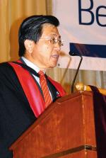 GUEST SPEAKER: Managing Director of Royal Selangor, and University of Adelaide graduate, Datuk Yong Poh Kon was the guest of honour at this year's Malaysian ceremony Photo by Ben Osborne