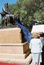 The Governor of South Australia, Her Excellency Marjorie Jackson-Nelson, unveiling the Hughes statue