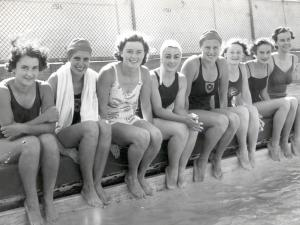 1940 Intervarsity Swimming Team
