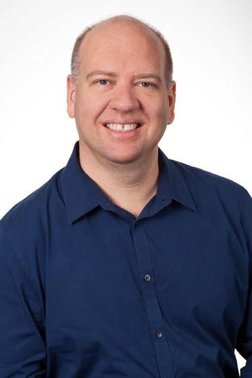 Dr Cameron van den Heuvel
