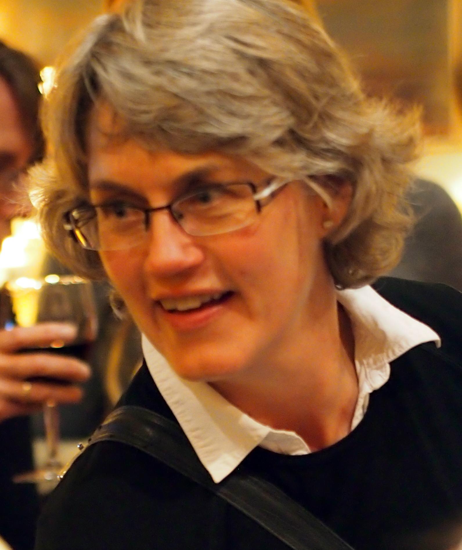Dr Carolyn Berryman