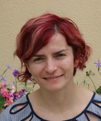 Dr Claudia Szabo