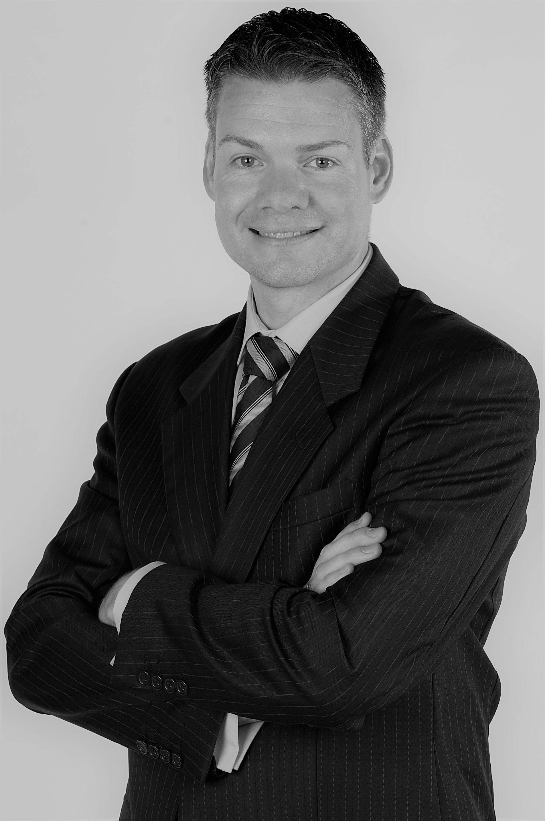 Mr Craig McCallum