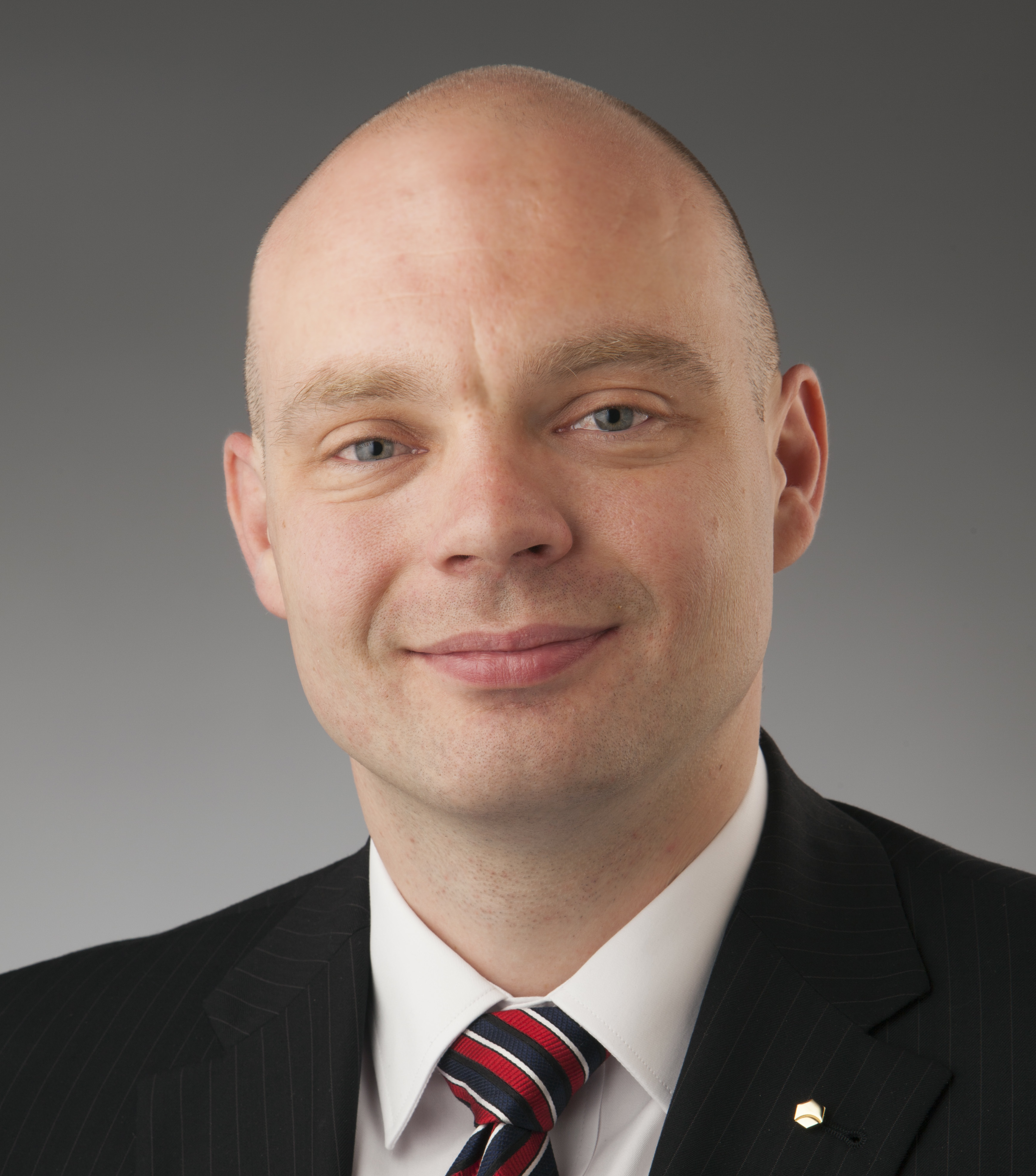 Dr Cristian Birzer