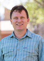Dr Dirk Boehe