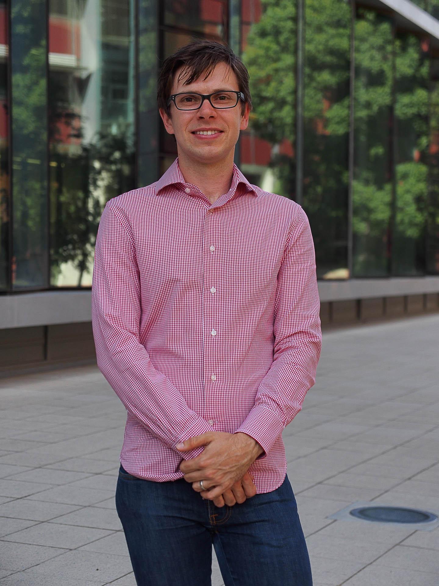 Dr Erik Schartner
