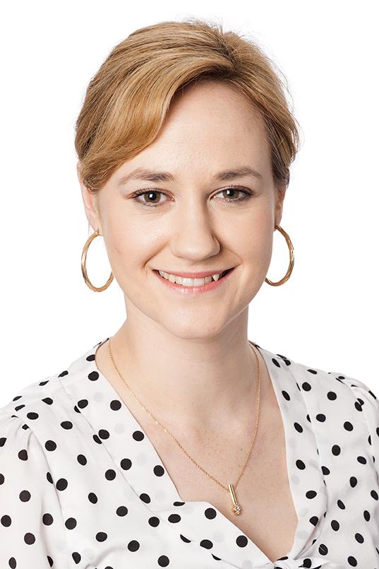Ms Kirsten Bernhardt