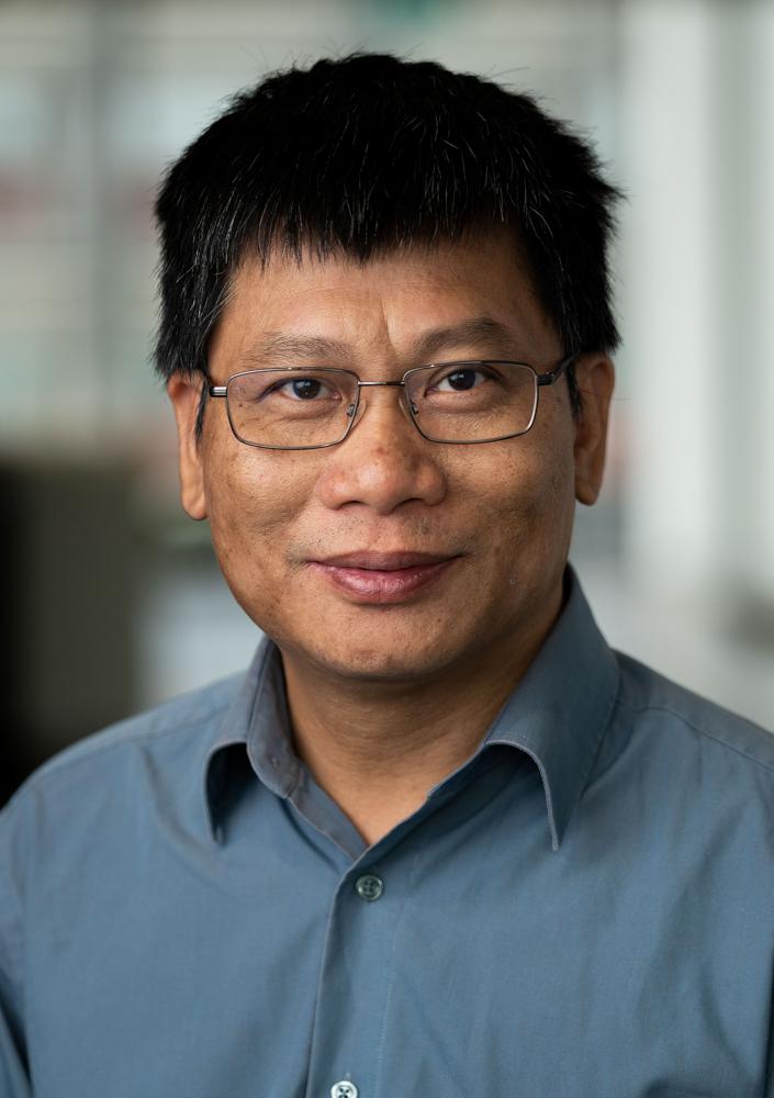 Professor Loc Do
