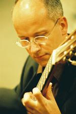 Dr Oliver Fartach-Naini