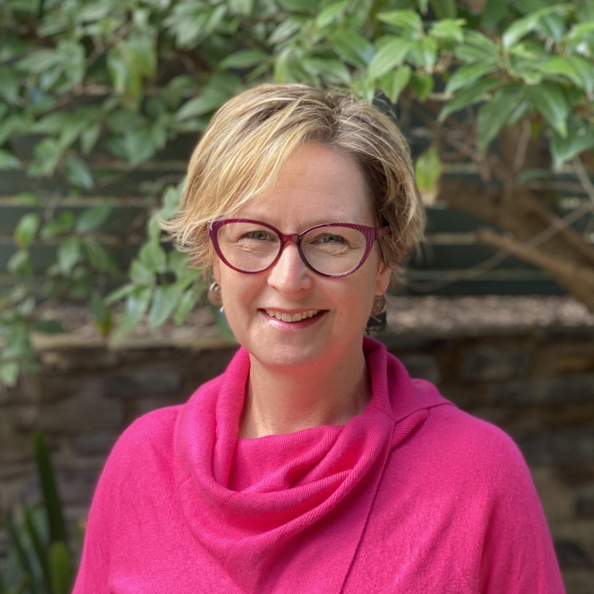 Dr Stephanie McWhinnie