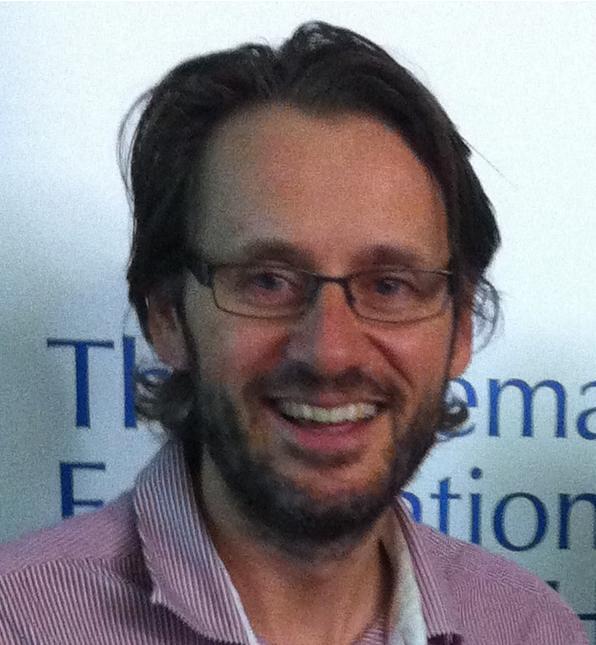 Dr Tim Schultz
