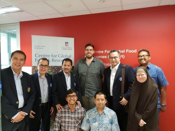 IPB delegates with Jack Hetherington and Indonesian students of GFAR