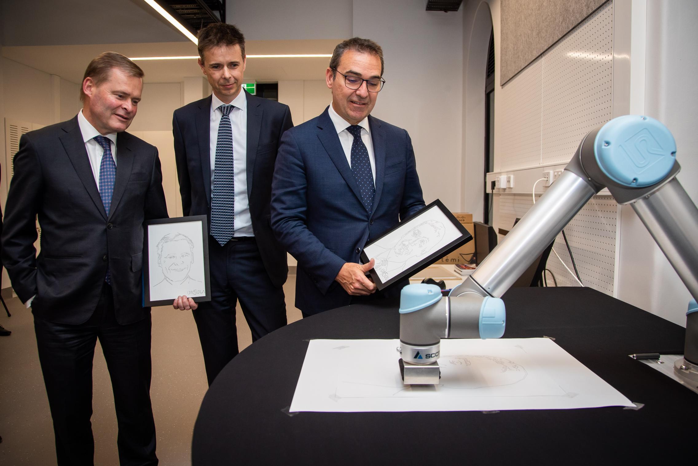 Professors Rathjen and van den Hengel with Premier Stevn Marshall in AIML